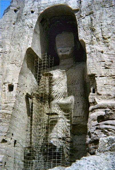 407px-afghanistan_statua_di_budda_11
