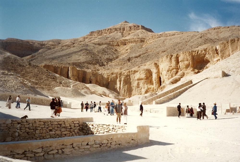 Replica of Tutankhamun's Tomb ready for installation (1/2)