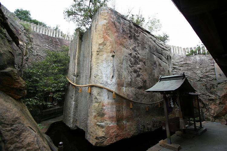 The Ishi-no-Hōden megalith (1/3)